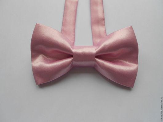 Галстуки, бабочки ручной работы. Ярмарка Мастеров - ручная работа. Купить Галстук бабочка на застежке нежно-розовая атласная. Handmade.