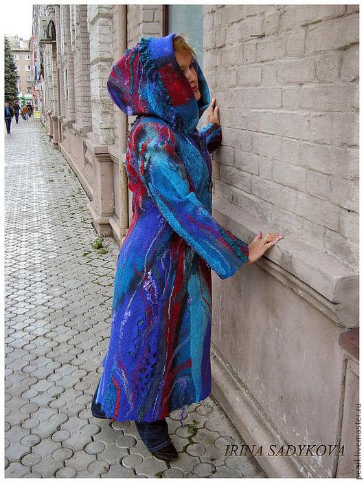 """Верхняя одежда ручной работы. Ярмарка Мастеров - ручная работа. Купить Пальто валяное """"Голографическая Вселенная"""". Handmade. Абстрактный, красное"""