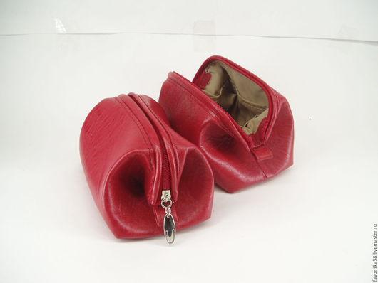 Женские сумки ручной работы. Косметичка из натуральной кожи