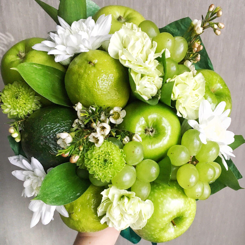 Букет из цветов с фруктами как сделать