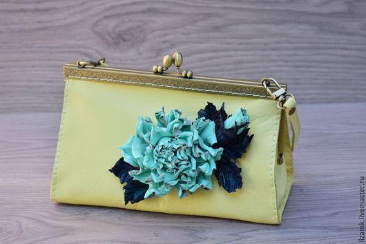 Женские сумки ручной работы. Ярмарка Мастеров - ручная работа. Купить Ридикюль с цветочком. Handmade. Лимонный, сумка из натуральной кожи