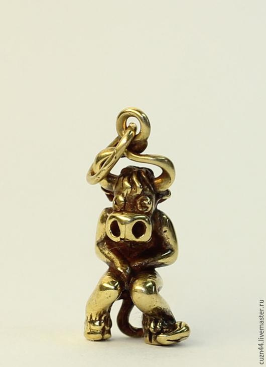 Миниатюрные модели ручной работы. Ярмарка Мастеров - ручная работа. Купить Терпеливый Бык (брелок). Handmade. Животные, литье из бронзы