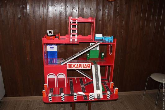 """Кукольный дом ручной работы. Ярмарка Мастеров - ручная работа. Купить Игра """"Пожарная часть"""" для мальчиков. Handmade. Ярко-красный"""