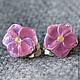 Серьги клипсы лэмпворк розовые цветочки Очень нежные, маленькие серьги-клипсы  с бусинами лэмпворк розовые цветы Стеклянные цветы лэмпворк - на плоской основе, диаметр цветочков всего 15 мм