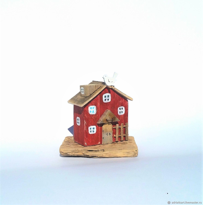 Бордовый домик с птичкой Маленькая Италия дрифтвуд 10 см, Домики, Москва,  Фото №1