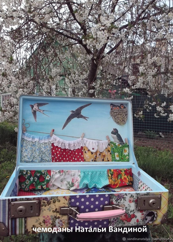 "Чемодан ""Ласточка с весною в сени к нам летит."", Сумки и аксессуары, Балаково, Фото №1"