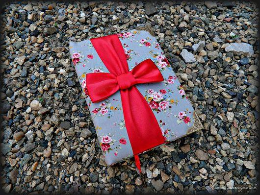 """Персональные подарки ручной работы. Ярмарка Мастеров - ручная работа. Купить Блокнот для записей """"Винтажный дневник"""". Handmade. комбинированный, красный"""