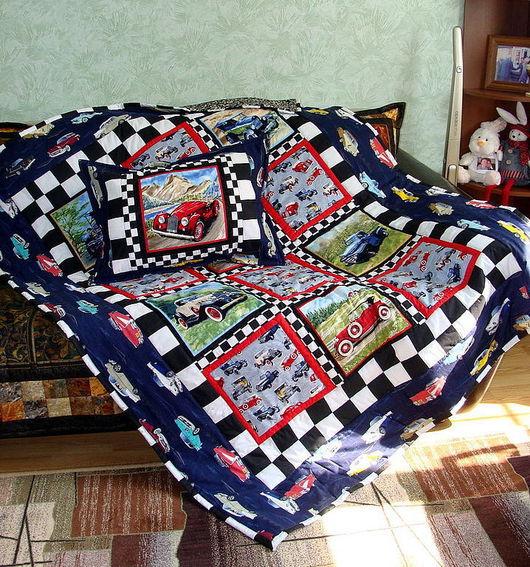 """Детская ручной работы. Ярмарка Мастеров - ручная работа. Купить Комплект из лоскутного одеяла и подушек """"Машины"""". Handmade. Одеяло пэчворк"""