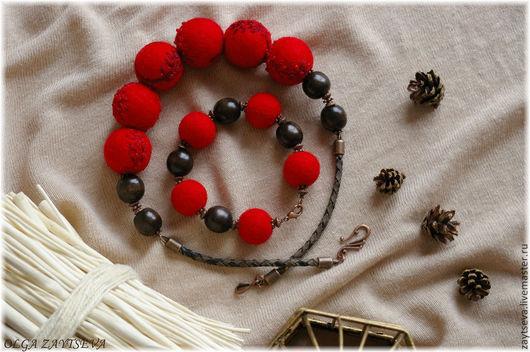 """Комплекты украшений ручной работы. Ярмарка Мастеров - ручная работа. Купить Комплект """"В красном"""" бусы + браслет. Handmade."""