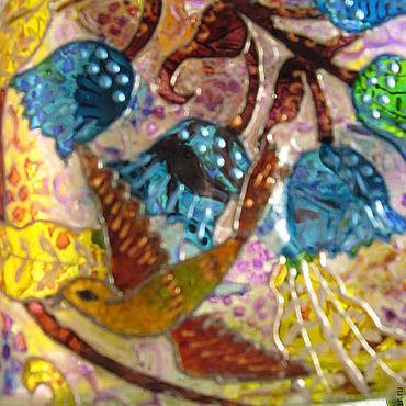 Посуда ручной работы. Ярмарка Мастеров - ручная работа Бутылка фляжка витражная стеклянная Цветы и птицы. Handmade.
