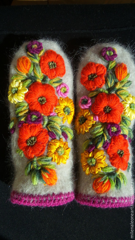 Варежки, митенки, перчатки ручной работы. Ярмарка Мастеров - ручная работа. Купить Варежки с вышивкой  Цветы Августа. Handmade. Цветочный