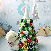 Елки ручной работы. Ярмарка Мастеров - ручная работа Ёлка Белый Мишка, подарок, ребёнку, новый год, украшение, красная. Handmade.