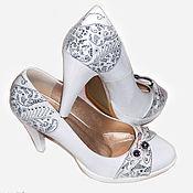 Туфли ручной работы. Ярмарка Мастеров - ручная работа Роспись обуви, туфли на свадьбу, свадебные туфли, белые туфли. Handmade.