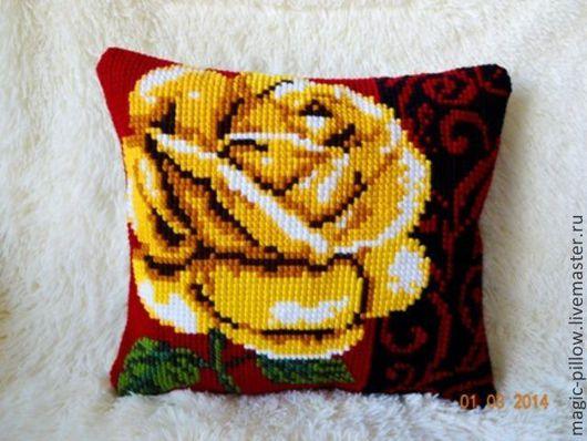 """Текстиль, ковры ручной работы. Ярмарка Мастеров - ручная работа. Купить Вышитая подушка """" Желтая роза-не всегда к разлуке! """". Handmade."""
