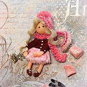 Брошь Куколка Вишневое Суфле