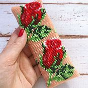 Сумки и аксессуары handmade. Livemaster - original item Eyeglass case made of beads Red Roses. Handmade.