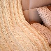 Для дома и интерьера ручной работы. Ярмарка Мастеров - ручная работа Вязаный плед с косами. Handmade.