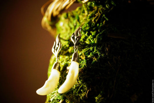 """Серьги ручной работы. Ярмарка Мастеров - ручная работа. Купить """"Йорунн"""" серьги с волчьим клыком. Handmade. Серебряный, волк, нейзильбер"""