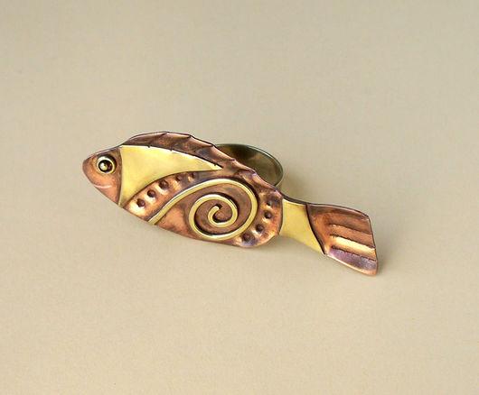 """Кольца ручной работы. Ярмарка Мастеров - ручная работа. Купить Медное кольцо """"Рыбка с загогулькой"""". Handmade. Медный цвет, кольцо"""