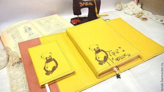 Упаковка ручной работы. Ярмарка Мастеров - ручная работа. Купить Блокнот мастера Вышитый логотип этикетки визитки кожа Подарок женщине. Handmade.