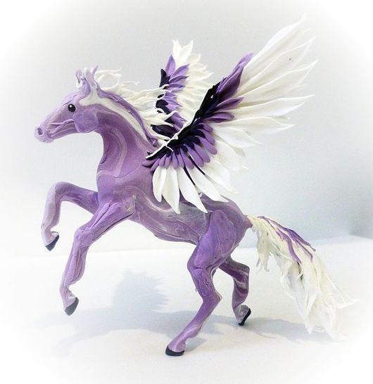 """Статуэтки ручной работы. Ярмарка Мастеров - ручная работа. Купить фигурка """"Пегас сирени"""" (лошадь). Handmade. Лошадь, лошади, крылья"""
