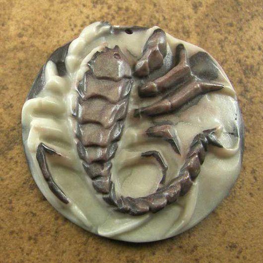 """Для украшений ручной работы. Ярмарка Мастеров - ручная работа. Купить Резной кулон из яшмы """"Скорпион"""". Handmade. Бежевый"""