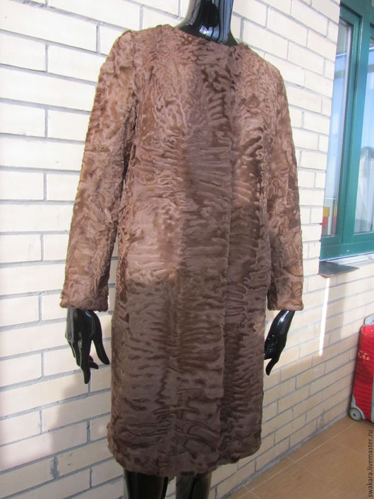 Верхняя одежда ручной работы. Ярмарка Мастеров - ручная работа. Купить Шубка из каракуля СВАКАРА в стиле ШАНЕЛЬ коричневая. Handmade.