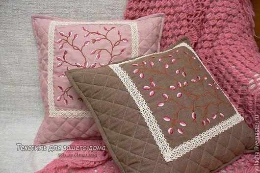 Декоративная диванная подушка с вышивкой. Декоративная наволочка- чехол. Подарок на любой случай. Льняная наволочка. Эко-стиль Подарок на день рождения, юбилей, новоселье