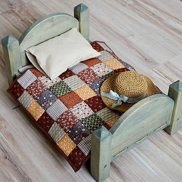Куклы и игрушки ручной работы. Ярмарка Мастеров - ручная работа Винтажная кроватка + постельное для 35 см вальдорфской куклы. Handmade.