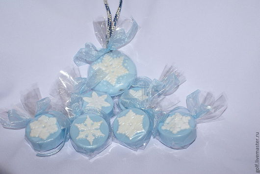 """Мыло ручной работы. Ярмарка Мастеров - ручная работа. Купить Мыло ручной работы """"Снежинки"""". Handmade. Голубой, мыло сувенирное"""