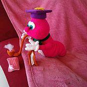 Мягкие игрушки ручной работы. Ярмарка Мастеров - ручная работа Книжный червь, вязаная игрушка. Handmade.