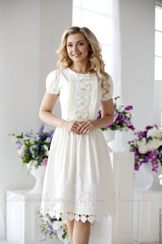 https://cs5.livemaster.ru/storage/2e/2b/ddd816e978d1c3154b826f6217x2--odezhda-plate-varenka-milk.jpg