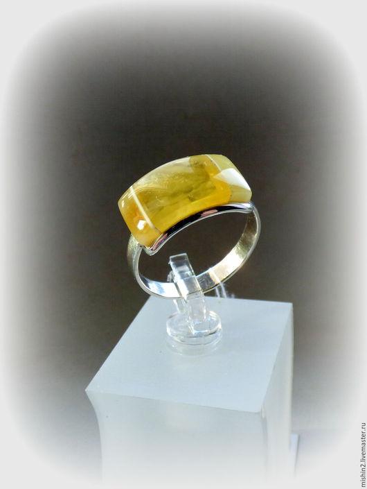 """Кольца ручной работы. Ярмарка Мастеров - ручная работа. Купить Кольцо """"В"""" с янтарем серебряное.. Handmade. Колье с камнями"""