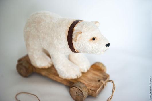 Мишки Тедди ручной работы. Ярмарка Мастеров - ручная работа. Купить Белый медведь на тележке.. Handmade. Белый, полярный медведь