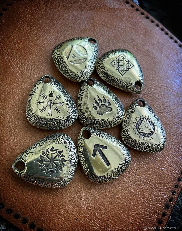 Подвеска  камень (бронза), Сувенирное оружие, Волжский,  Фото №1