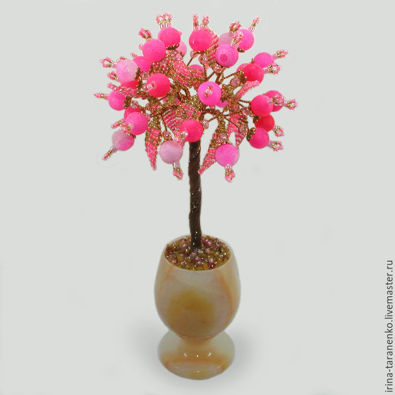 Tree of love pink agate in a vase of onyx