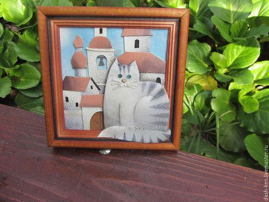 Животные ручной работы. Ярмарка Мастеров - ручная работа. Купить кот в городе. Handmade. Голубой, крыши, панно из кожи