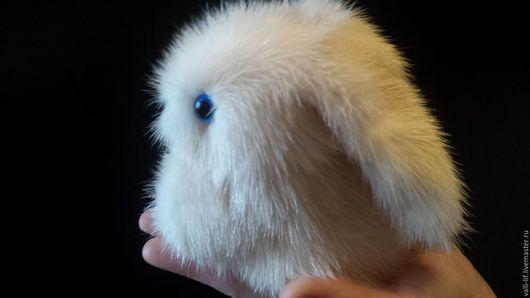 Игрушки животные, ручной работы. Ярмарка Мастеров - ручная работа. Купить крольчонок  из меха норки. Handmade. Белый, крольчонок, кролик