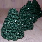 Подарки к праздникам ручной работы. Ярмарка Мастеров - ручная работа Вязаные ёлочки. Handmade.