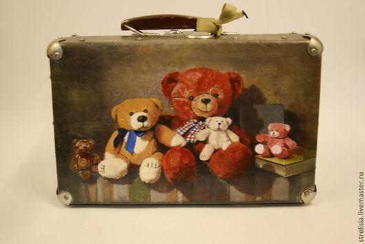 """Чемоданы ручной работы. Ярмарка Мастеров - ручная работа. Купить """"Мишкин багаж  2""""  Чемодан. Handmade. Рисунок, мишки тедди"""