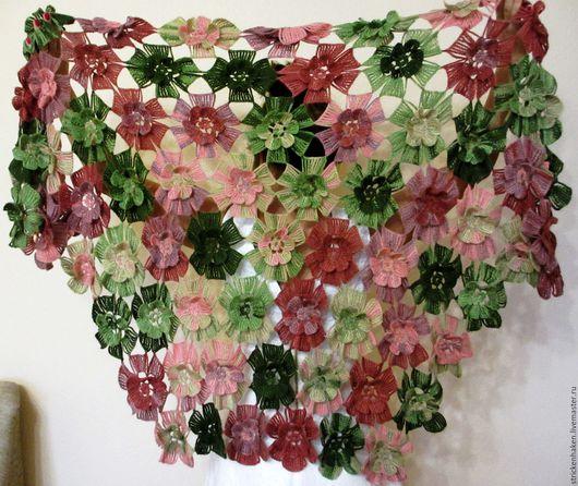 """Шали, палантины ручной работы. Ярмарка Мастеров - ручная работа. Купить Шаль """"Вальс цветов"""", шаль крючком, палантин, шаль с объемными цветами. Handmade."""