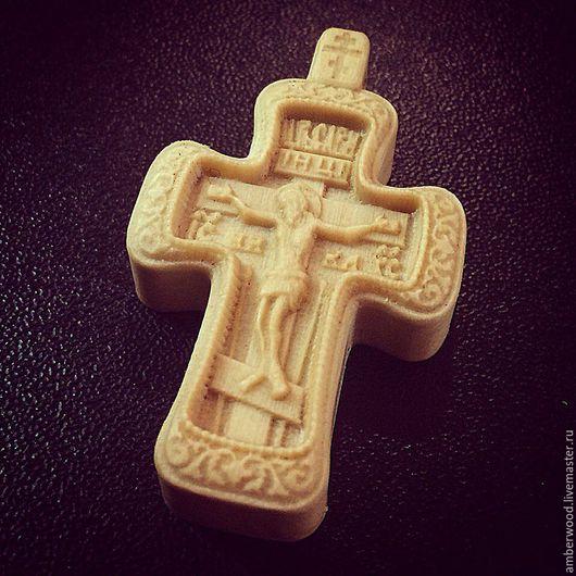 Украшения для мужчин, ручной работы. Ярмарка Мастеров - ручная работа. Купить Крестик резной из дерева. Handmade. Белый, крестик из дерева