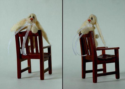 Миниатюра ручной работы. Ярмарка Мастеров - ручная работа. Купить Грустный заец. Handmade. Заяц, зайчонок, войлочная миниатюра