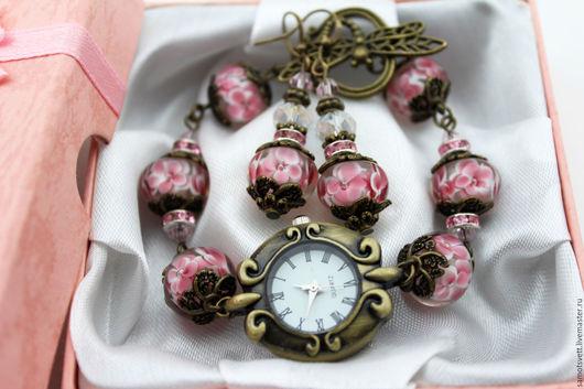 Часы ручной работы. Ярмарка Мастеров - ручная работа. Купить Комплект часы и серьги из лэмпворка. Handmade. Комбинированный, бусины лэмпворк