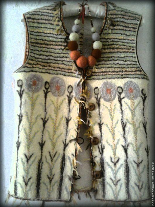 Жилеты ручной работы. Ярмарка Мастеров - ручная работа. Купить Жилет и бусы.. Handmade. Шерсть, одежда для женщин, абстрактный