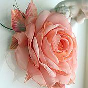"""Украшения ручной работы. Ярмарка Мастеров - ручная работа ЦВЕТЫ ИЗ ТКАНИ. Шифоновая роза брошь """"Розовый лосось"""". Handmade."""