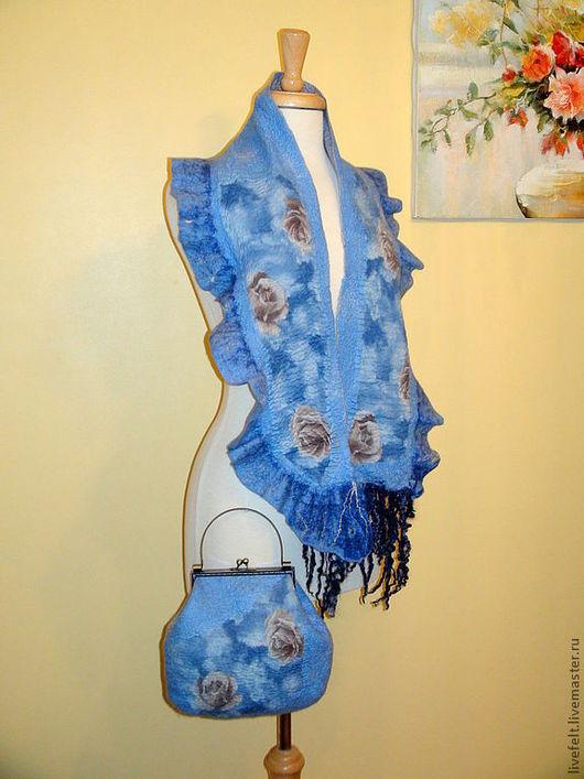 """Комплекты аксессуаров ручной работы. Ярмарка Мастеров - ручная работа. Купить Валяный шарф с сумочкой   """"Небесные Розы"""" голубой. Handmade."""