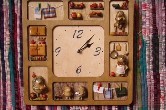 """Часы для дома ручной работы. Ярмарка Мастеров - ручная работа. Купить Часы """"Семья ежей"""". Handmade. Ежи, кухня"""