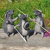 Куклы и игрушки ручной работы. Ярмарка Мастеров - ручная работа игрушки валяные мышки Маленькая Победоносная война. Handmade.