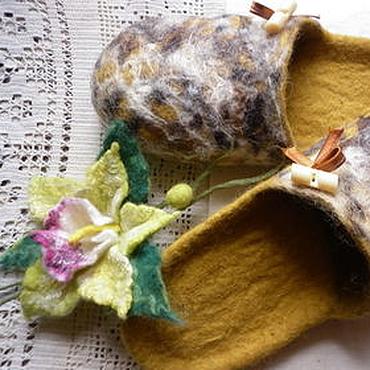 Обувь ручной работы. Ярмарка Мастеров - ручная работа Тапочки-шлепки валяные из шерсти Горчица (универсальные). Handmade.